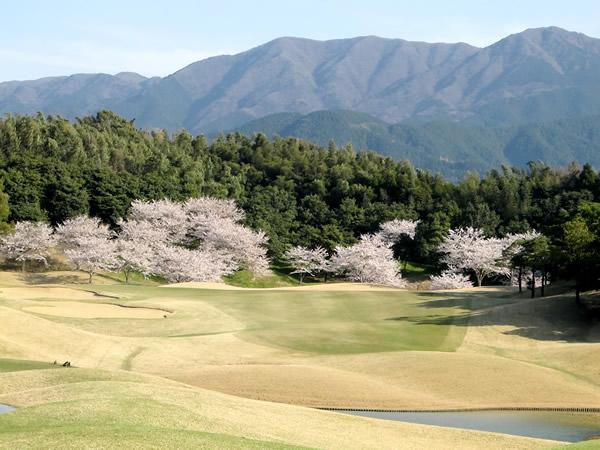 ザ・クイーンズヒルゴルフクラブ(福岡県)