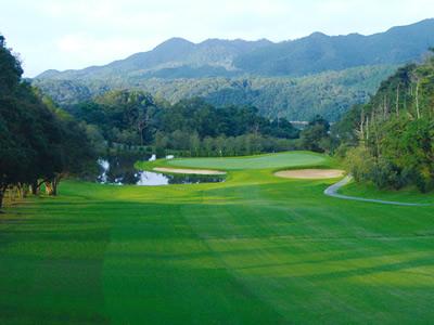 山口レインボーヒルズ豊田湖ゴルフクラブの写真