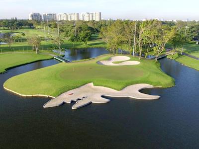 タナシティ・ゴルフ&スポーツクラブ (THANA CITY ...